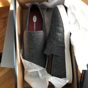 Dr Scholls gray slip on sneakers size 9